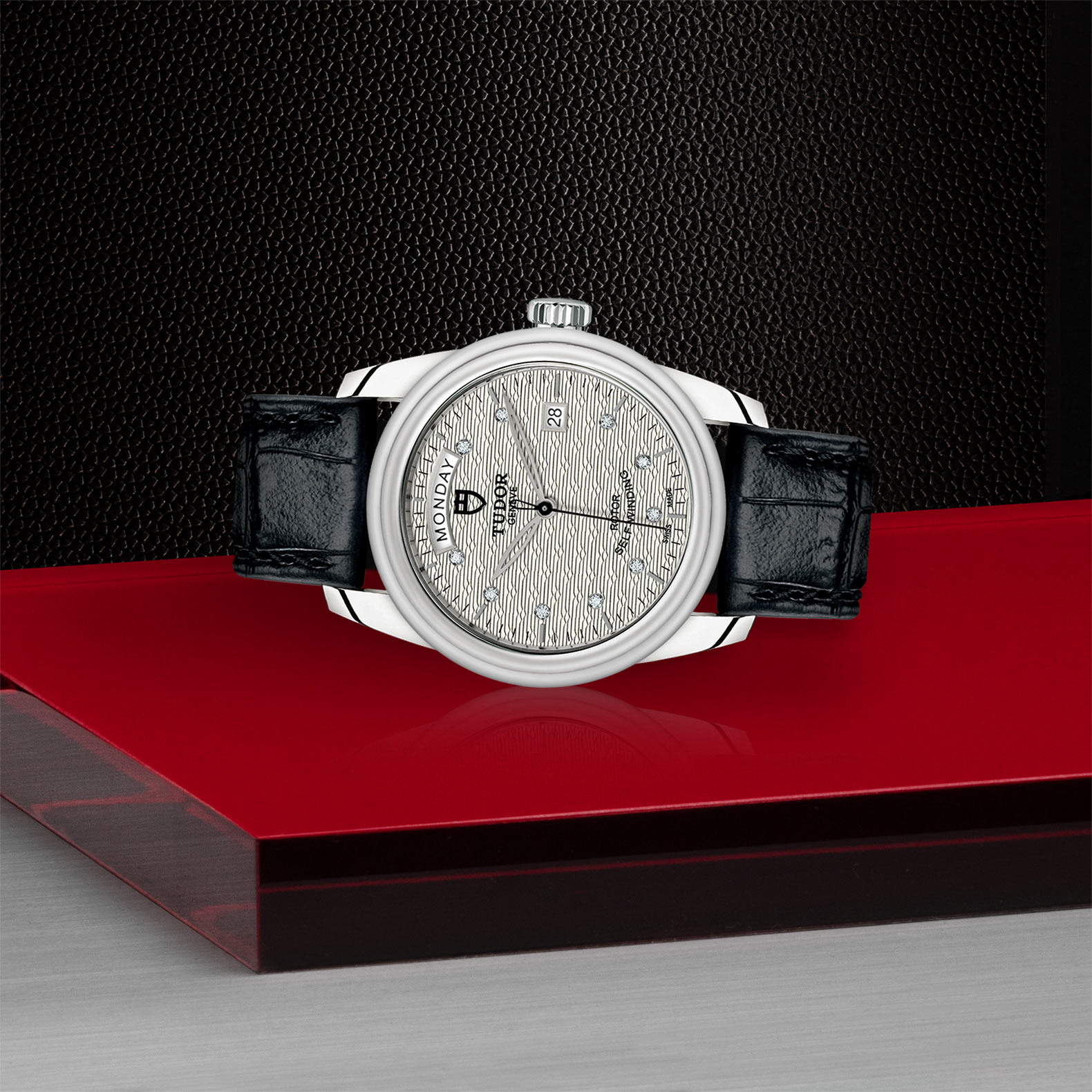 TUDOR Glamour Date+Day a